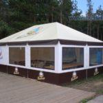 Павильон с четырехскатной крышей